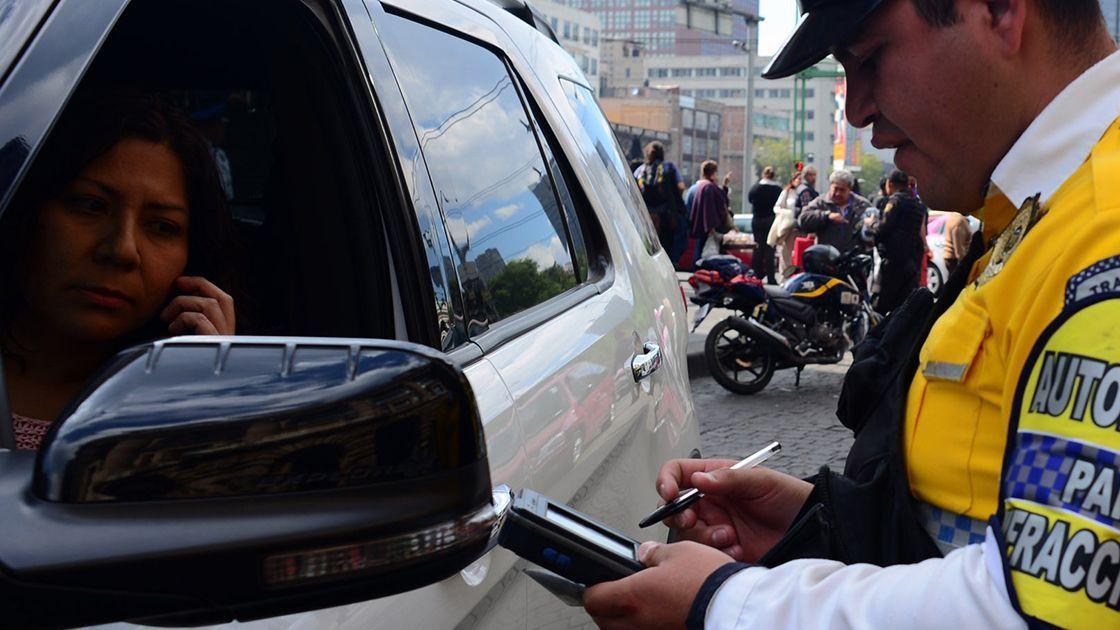Gobierno capitalino condonará multas de tránsito