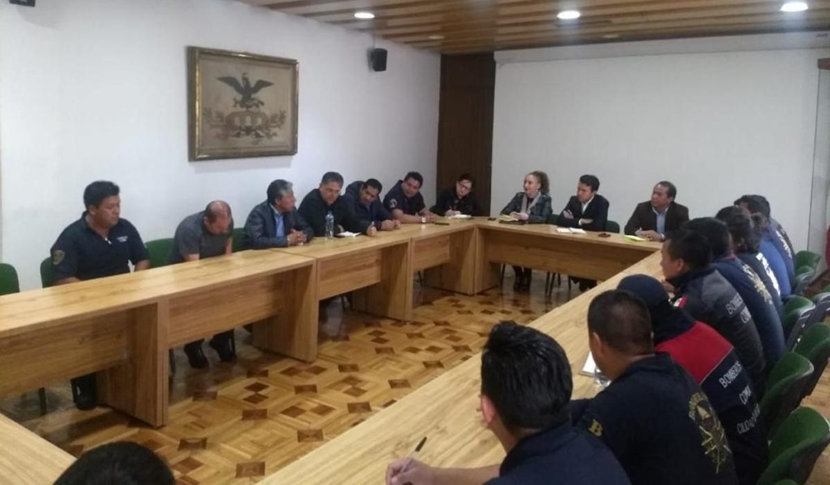 Gobierno de la Ciudad mantiene diálogo con Bomberos