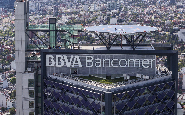 Desalojan edificios de Bancomer en la CDMX por amenaza de artefactos explosivos