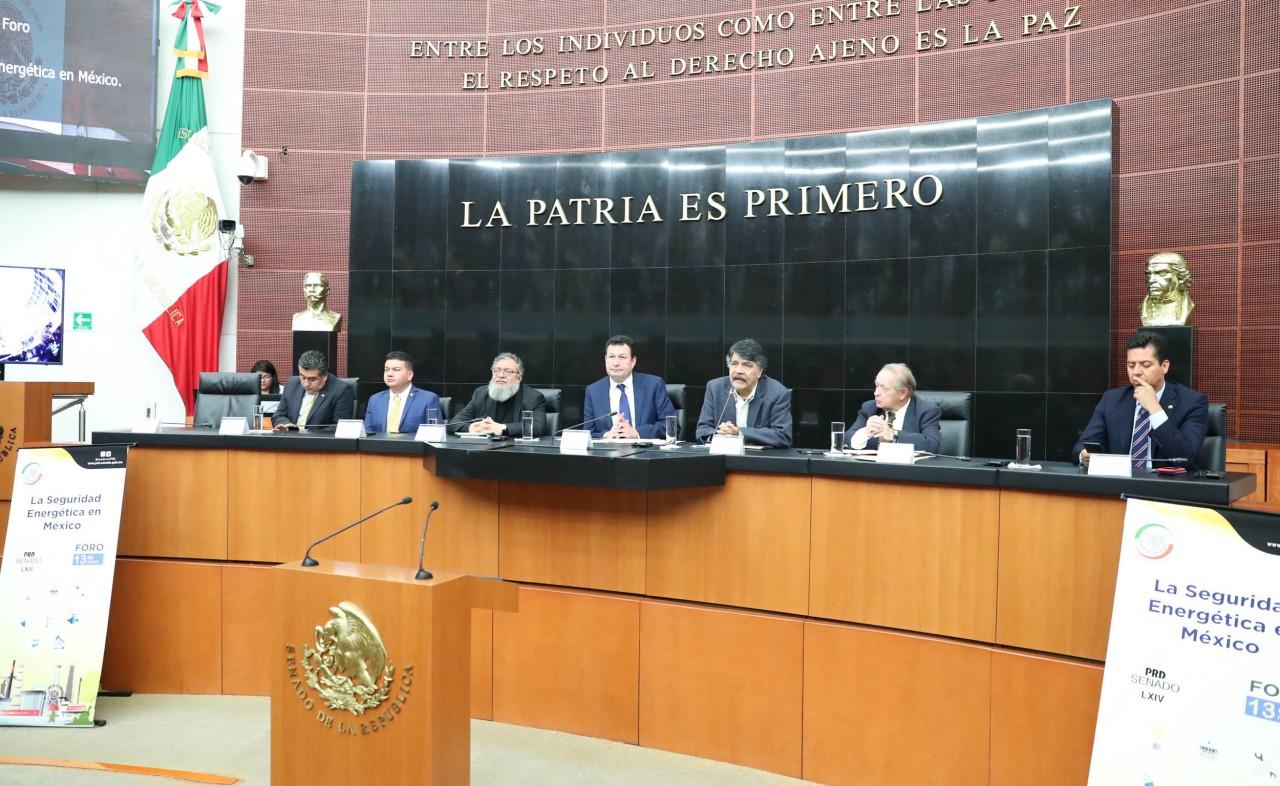 México no debe seguir anclado a la producción petrolera: senador Fócil Pérez