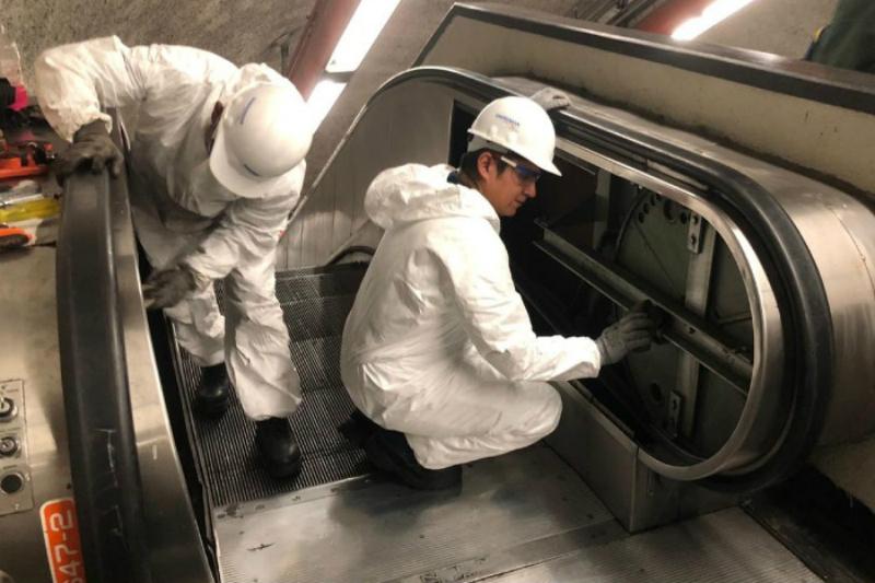 Continúa la revisión de escaleras eléctricas en el Metro