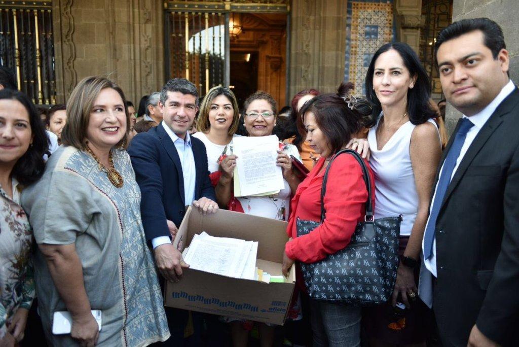 PAN entrega firmas a Sheinbaum para no cerrar estancias infantiles