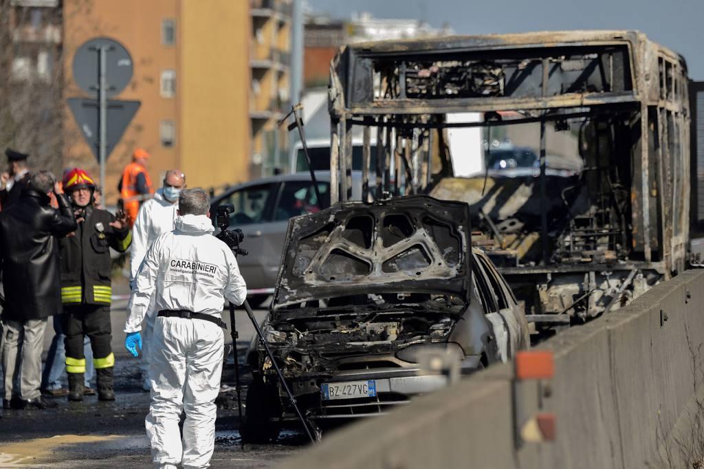 En Italia, secuestran autobús con pasajeros