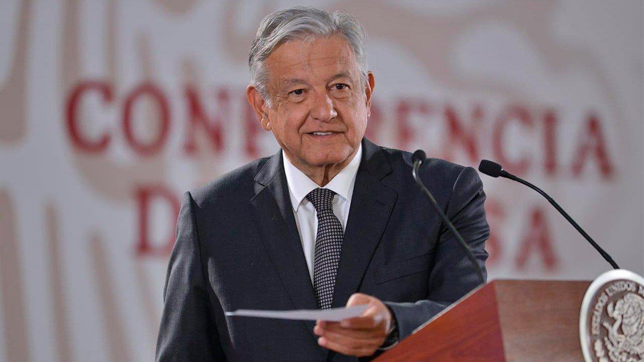 AMLO pide diálogo por Reforma Educativa