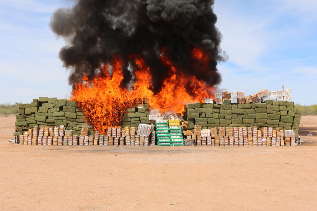 Sonora incinera 15 toneladas de narcóticos
