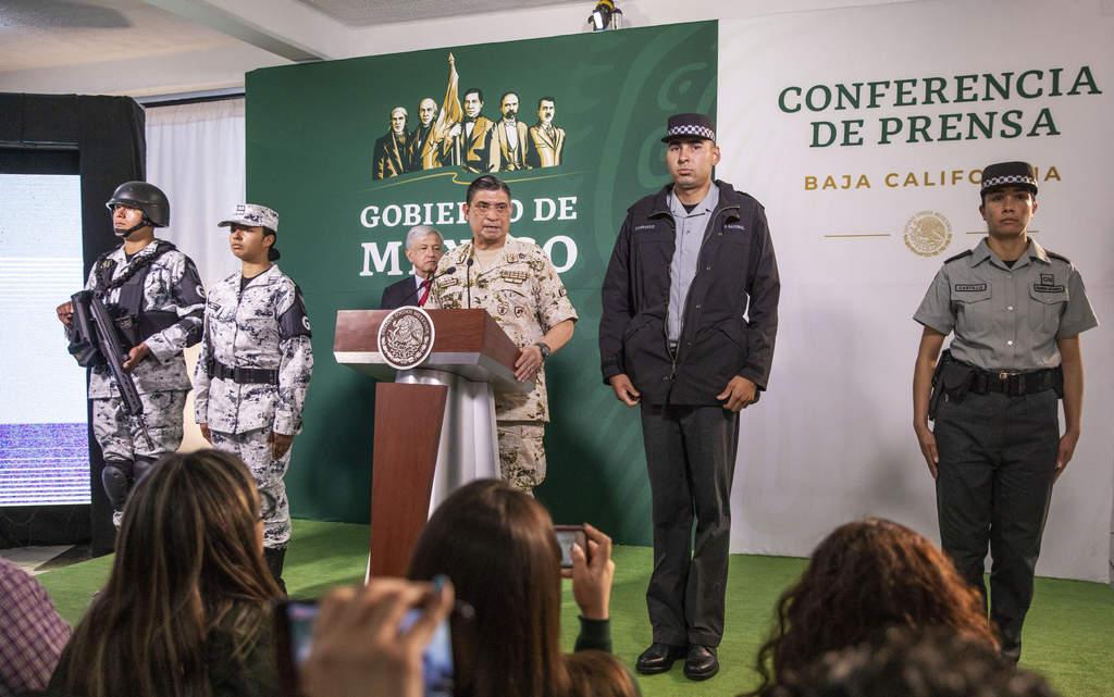 Presentan uniforme para la Guardia Nacional