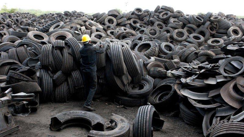 Reconocen a Neza por reciclar neumáticos