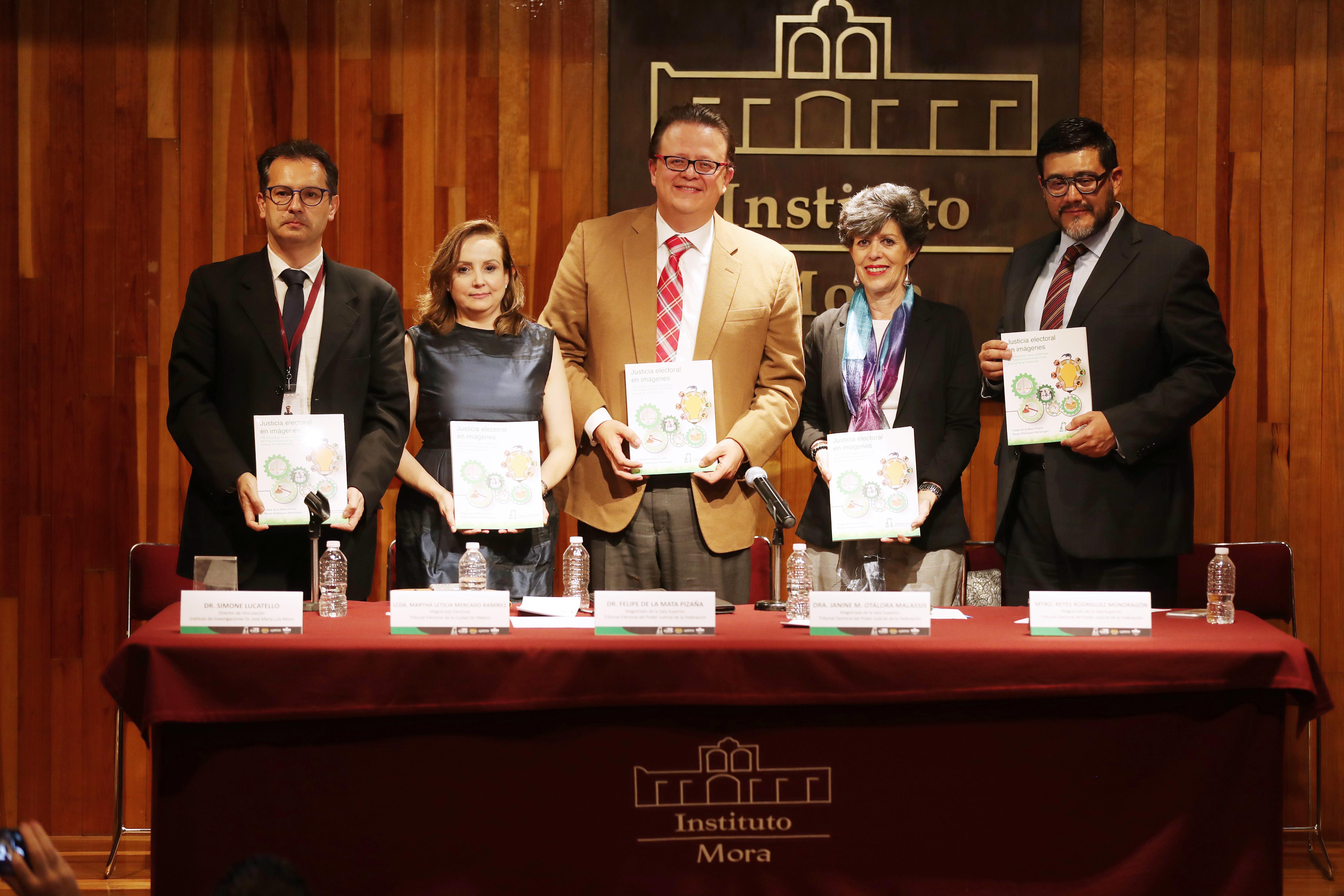 Presentan TEPJF y TECDMX libro Justicia electoral en imágenes