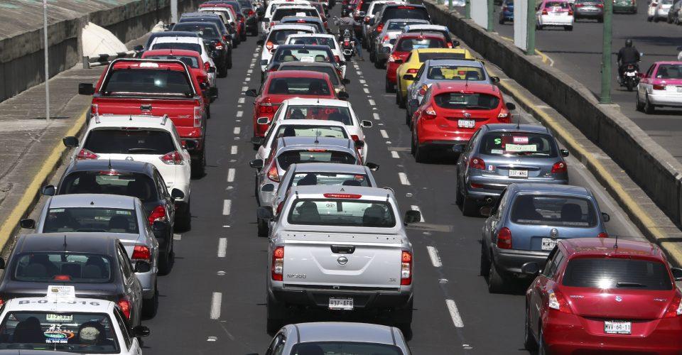 Asegura AMLO que no regresa la tenencia vehicular