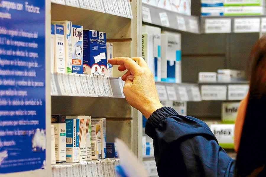 Castigan a farmacéuticas por instrucción de AMLO