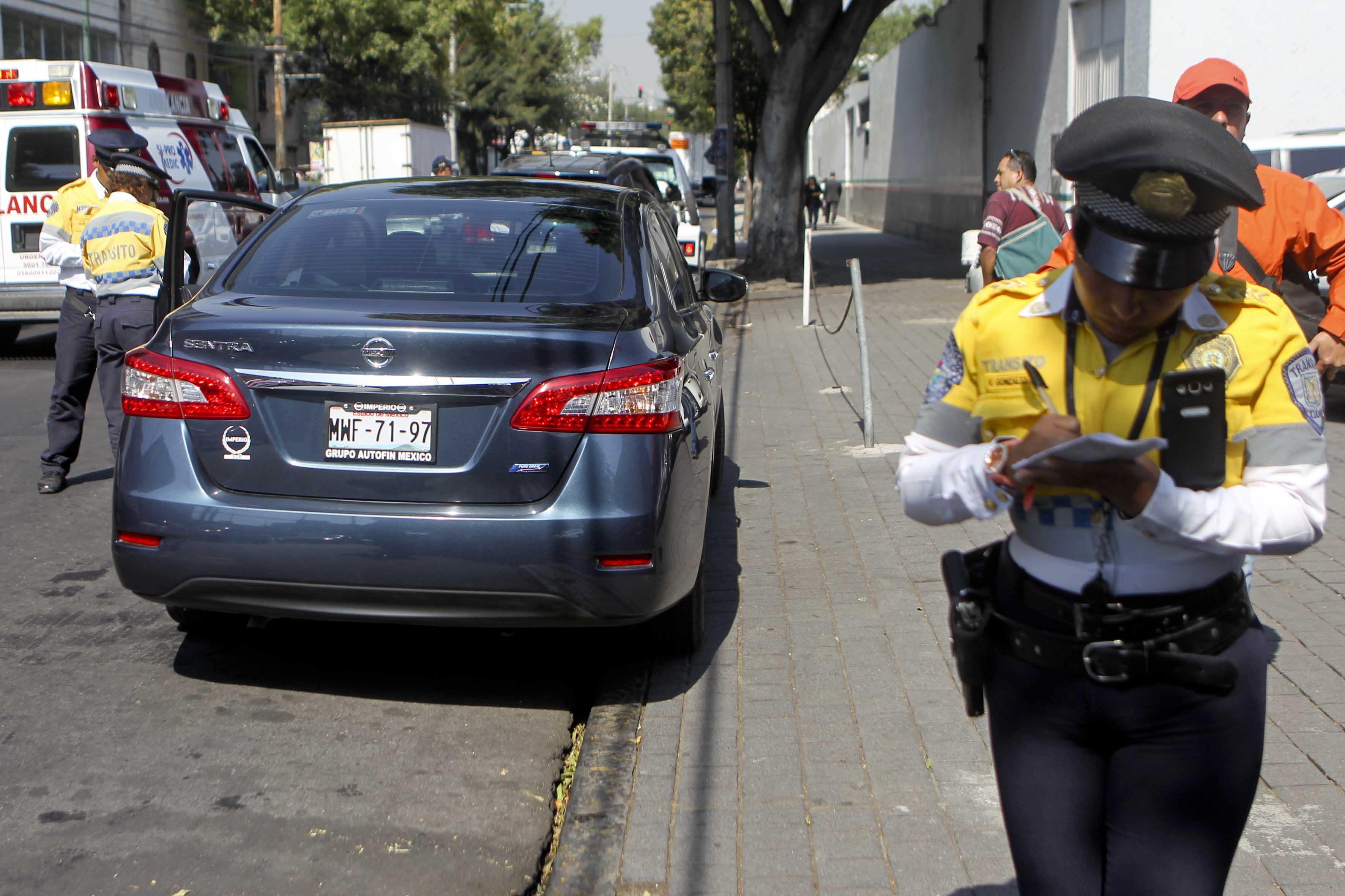 Sancionan a más de mil automovilistas por no respetar el Programa para Contingencias Ambientales