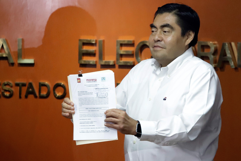 Ratifica INE a Miguel Barbosa como candidato de Morena a la gubernatura de Puebla