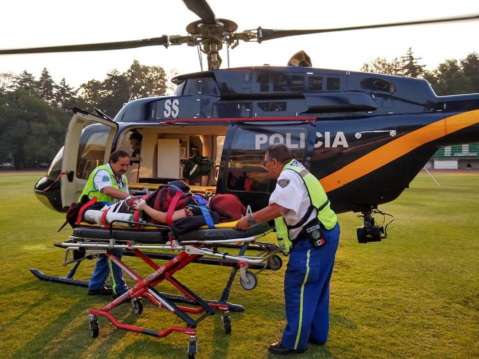 Cóndor de la SSC brinda apoyo de Ambulancia Aérea para una mujer en la Alcaldía Xochimilco
