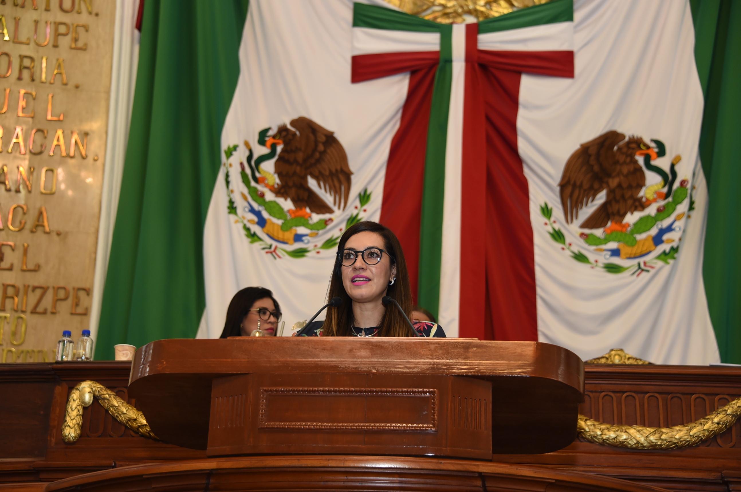 Presentan ante el Congreso local la propuesta para instaurar la Medalla al Mérito Internacional