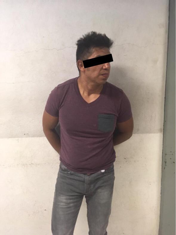 Policías de la SSC detienen a un hombre por daño a propiedad privada