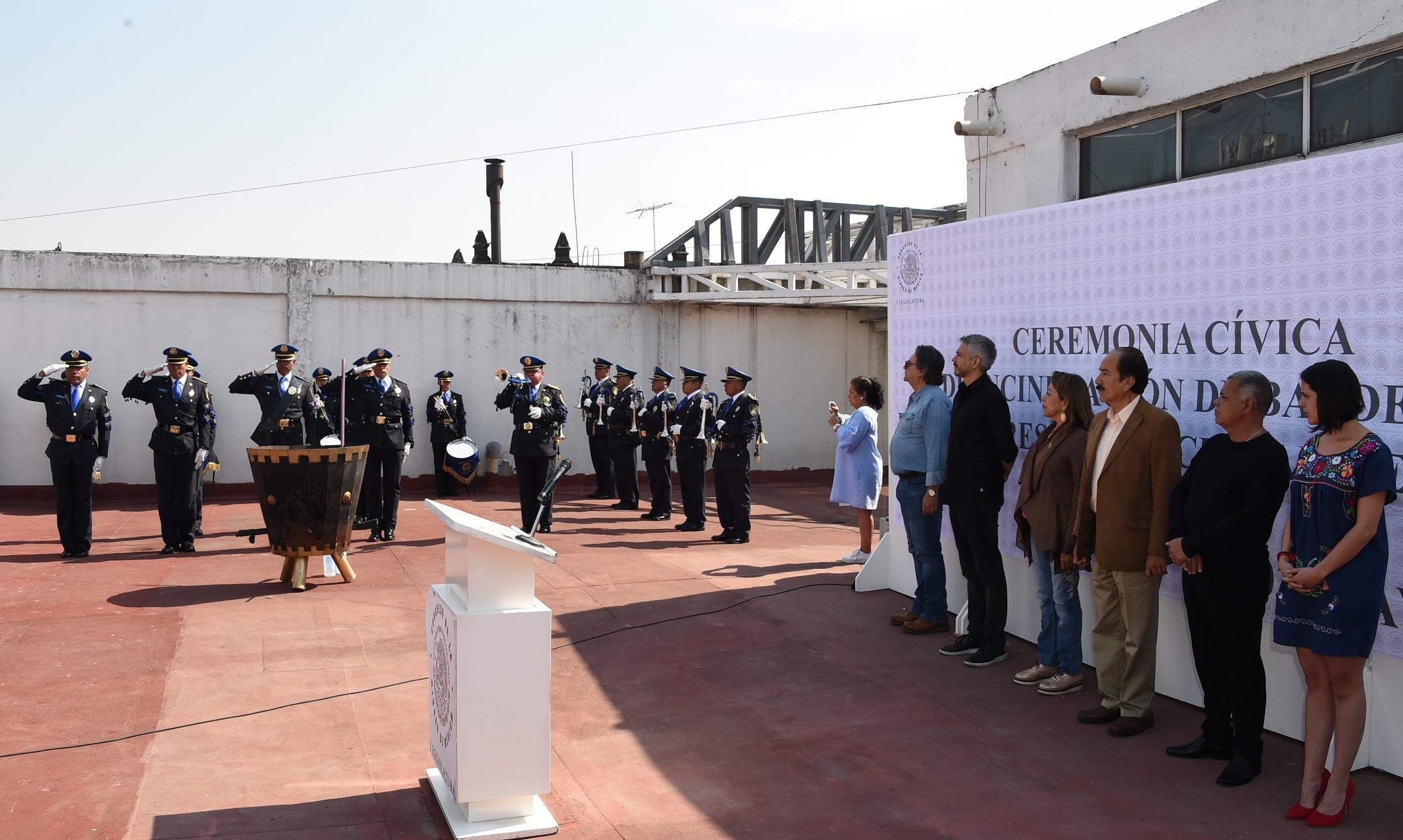 Congreso CDMX realiza ceremonia de incineración de la Bandera Nacional