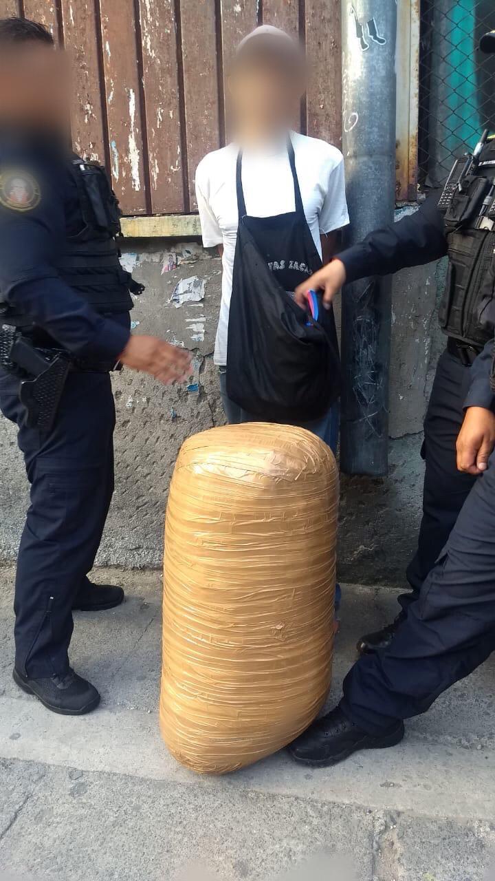 SSC asegura 40 Kilogramos de presunta Marihuana en la Colonia Morelos y detiene a una persona