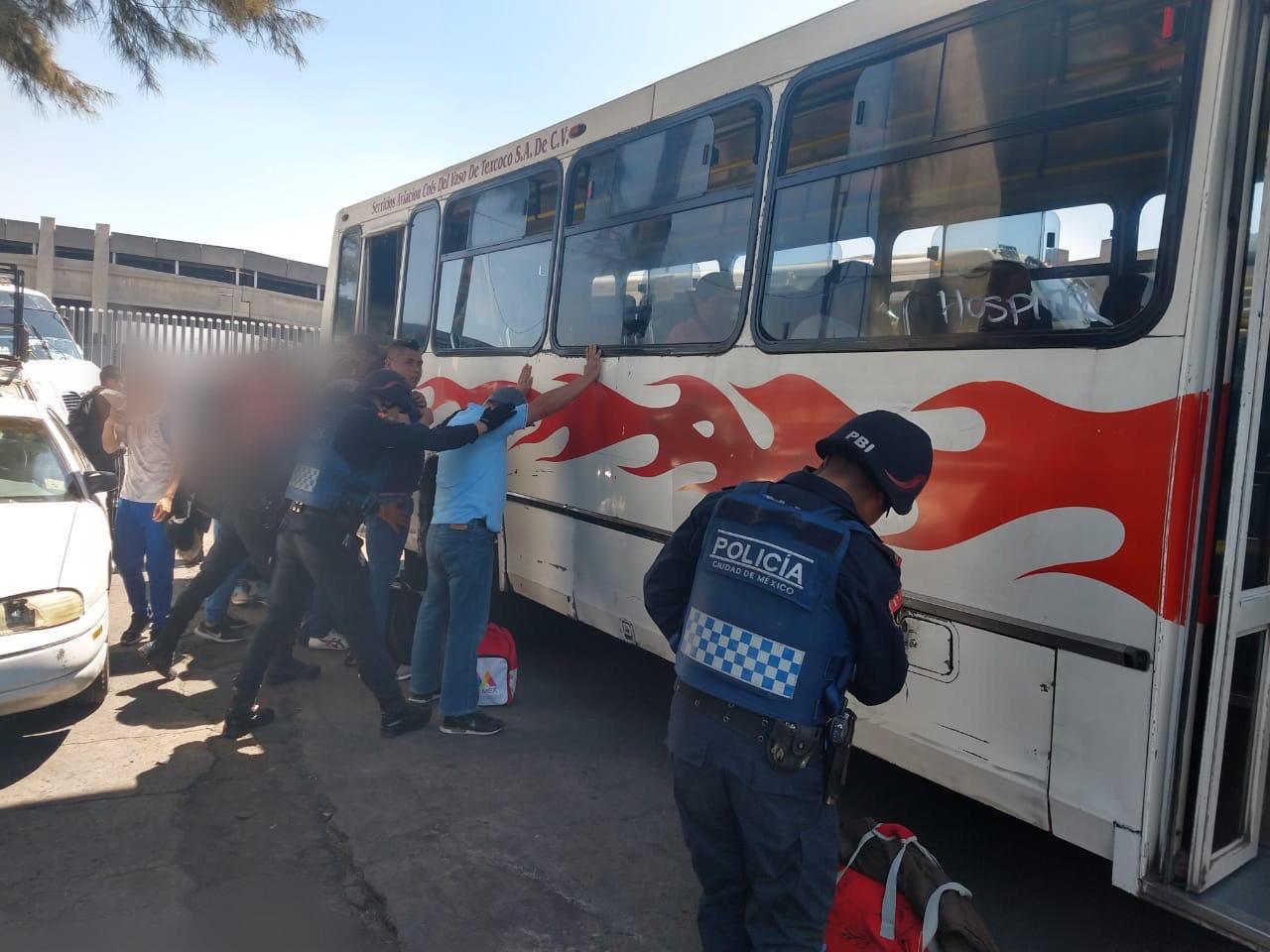 Policías de la SSC implementan acciones de seguridad en diferentes paraderos
