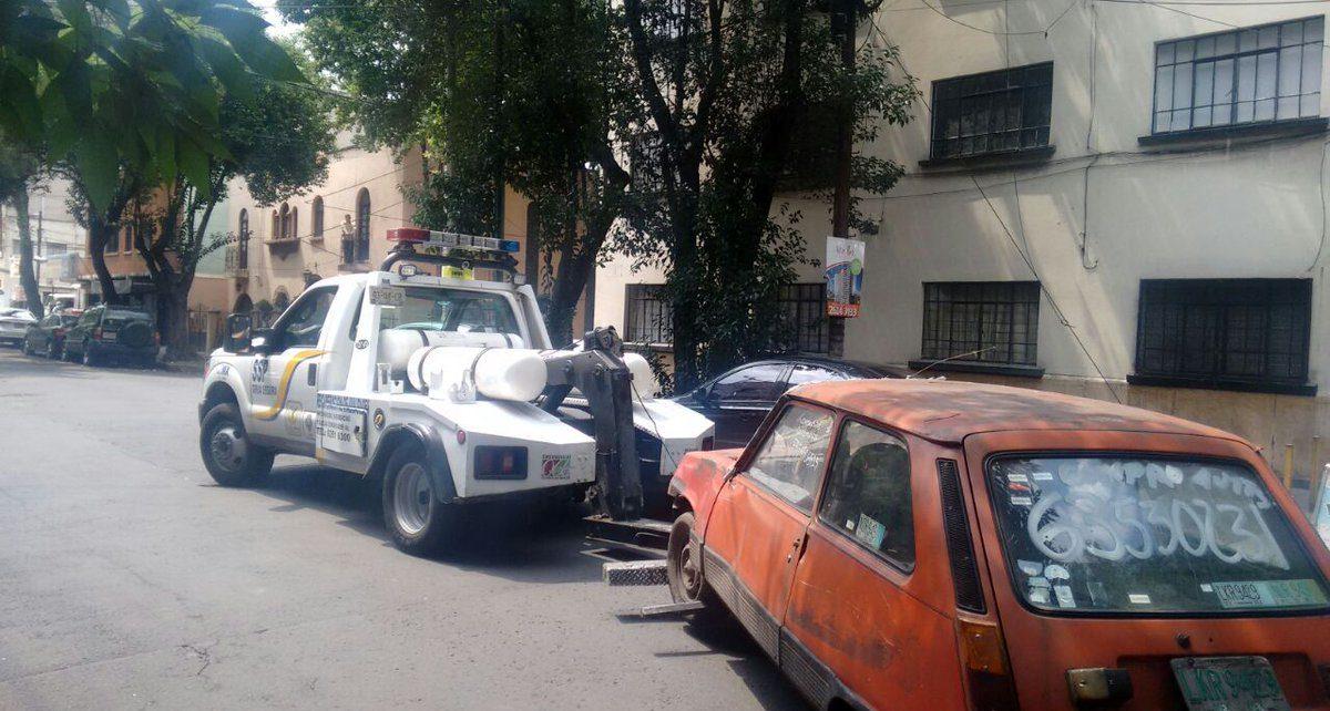 Limpiarán Xochimilco de autos chatarra