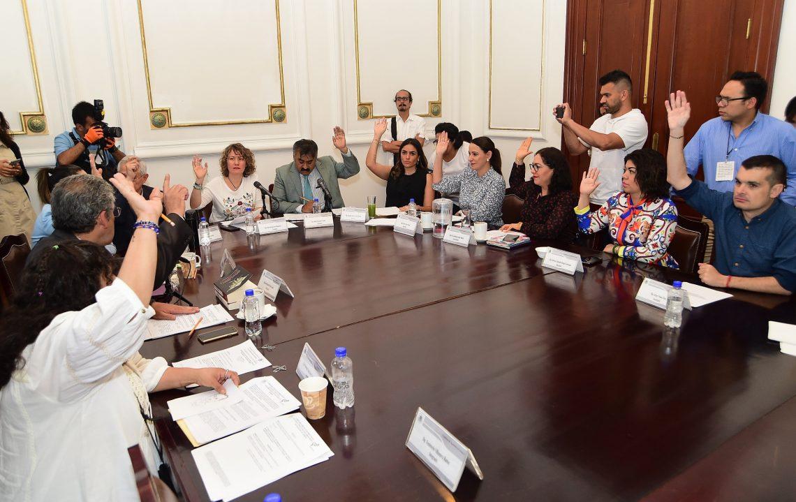 Aprueban en comisiones tres dictámenes en favor de igualdad de género