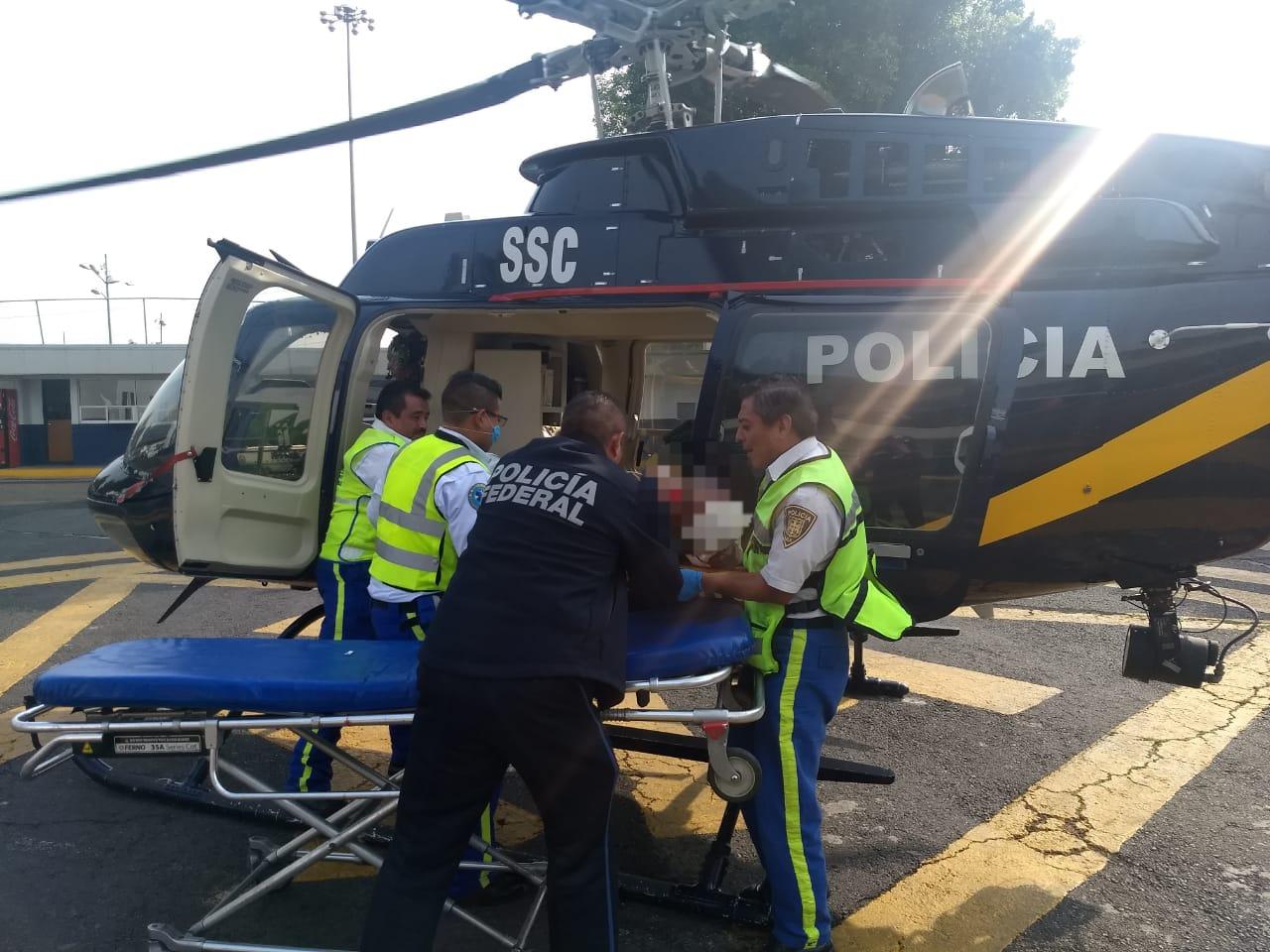 Cóndor de la SSC apoya en traslado de una persona que sufrió lesiones por disparos de arma de fuego