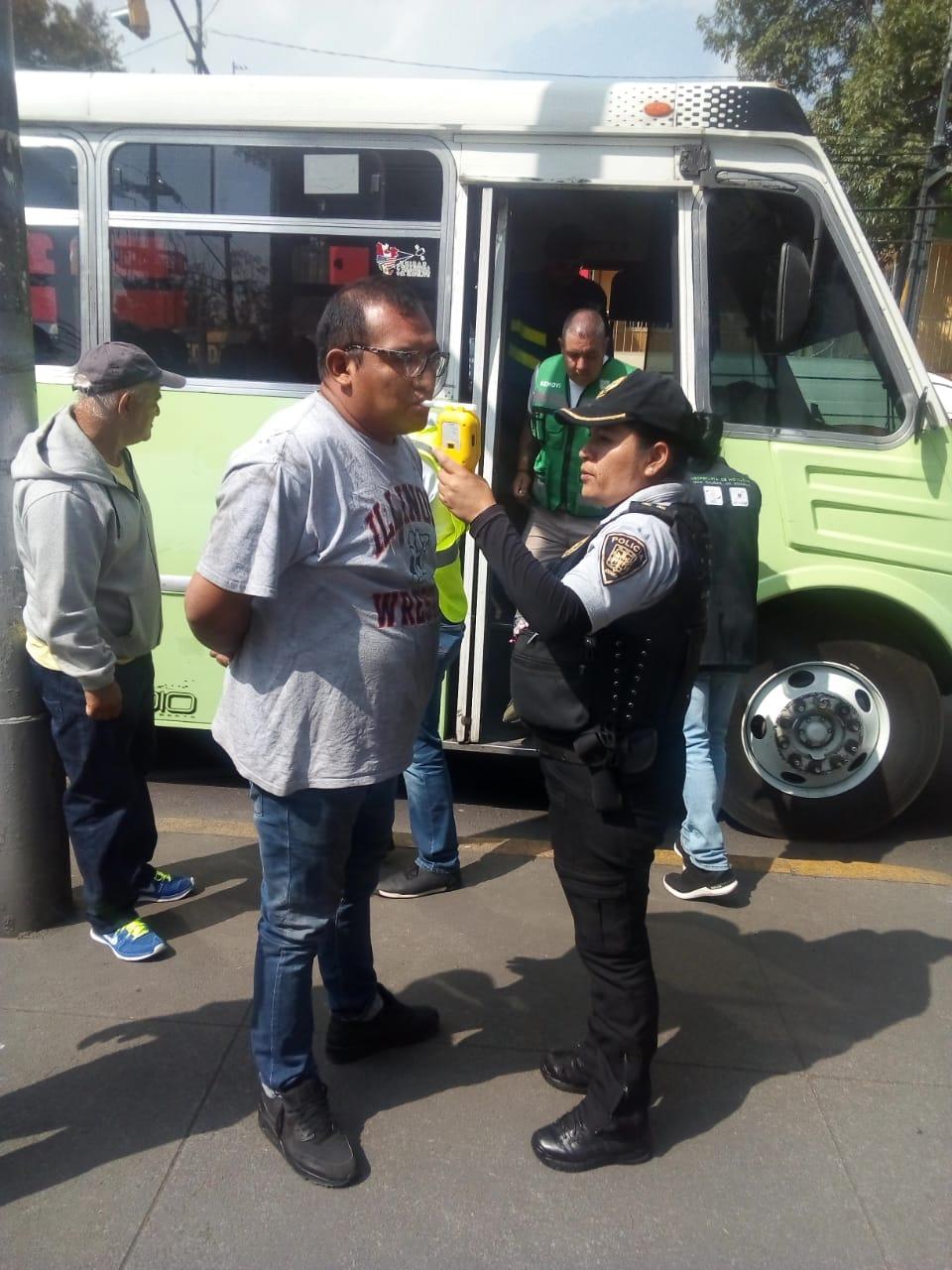 SSC realiza pruebas de alcoholemia a conductores del transporte público de la Ruta 49