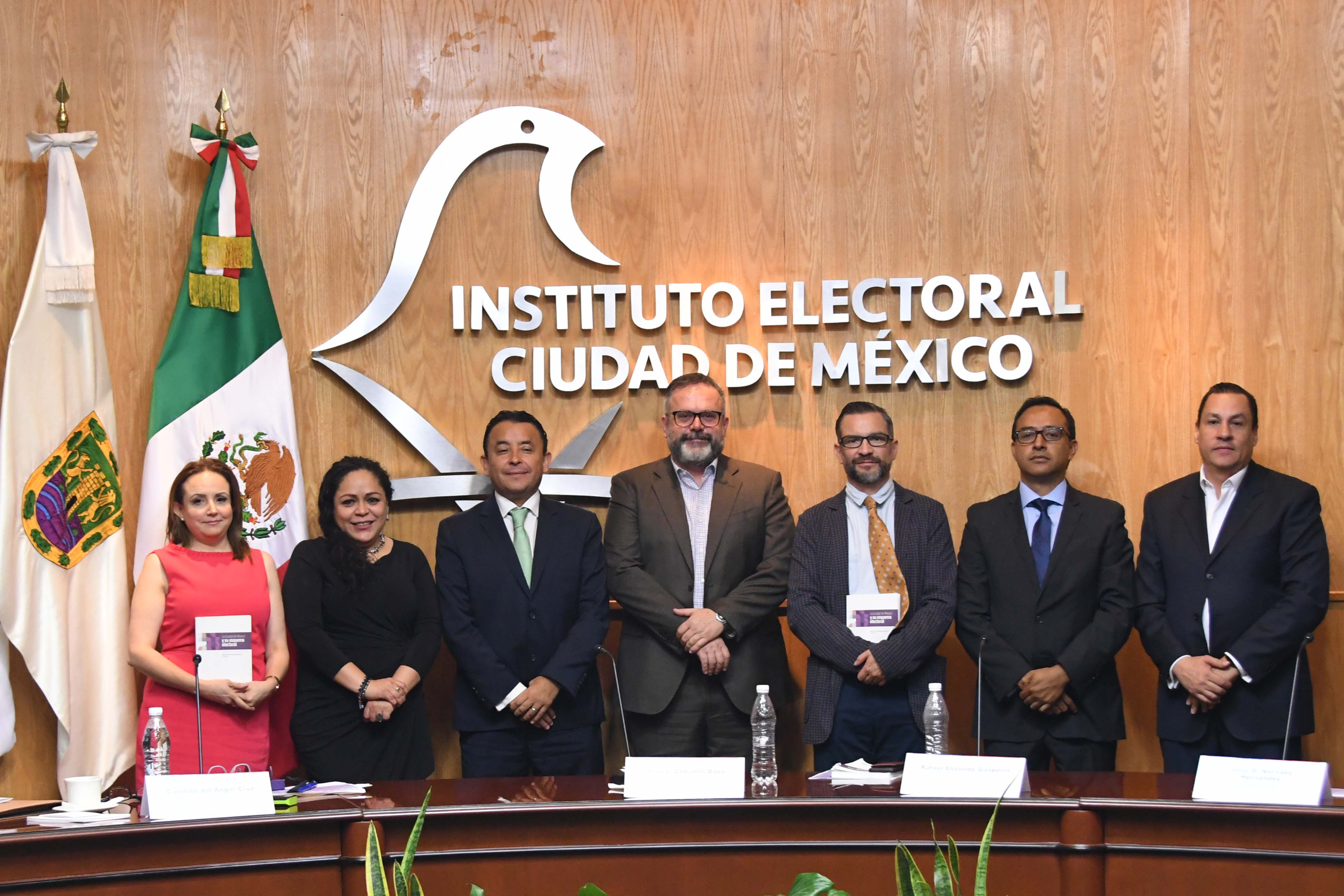 Analizan especialistas papel de los partidos políticos en la vida democrática de la capital del país