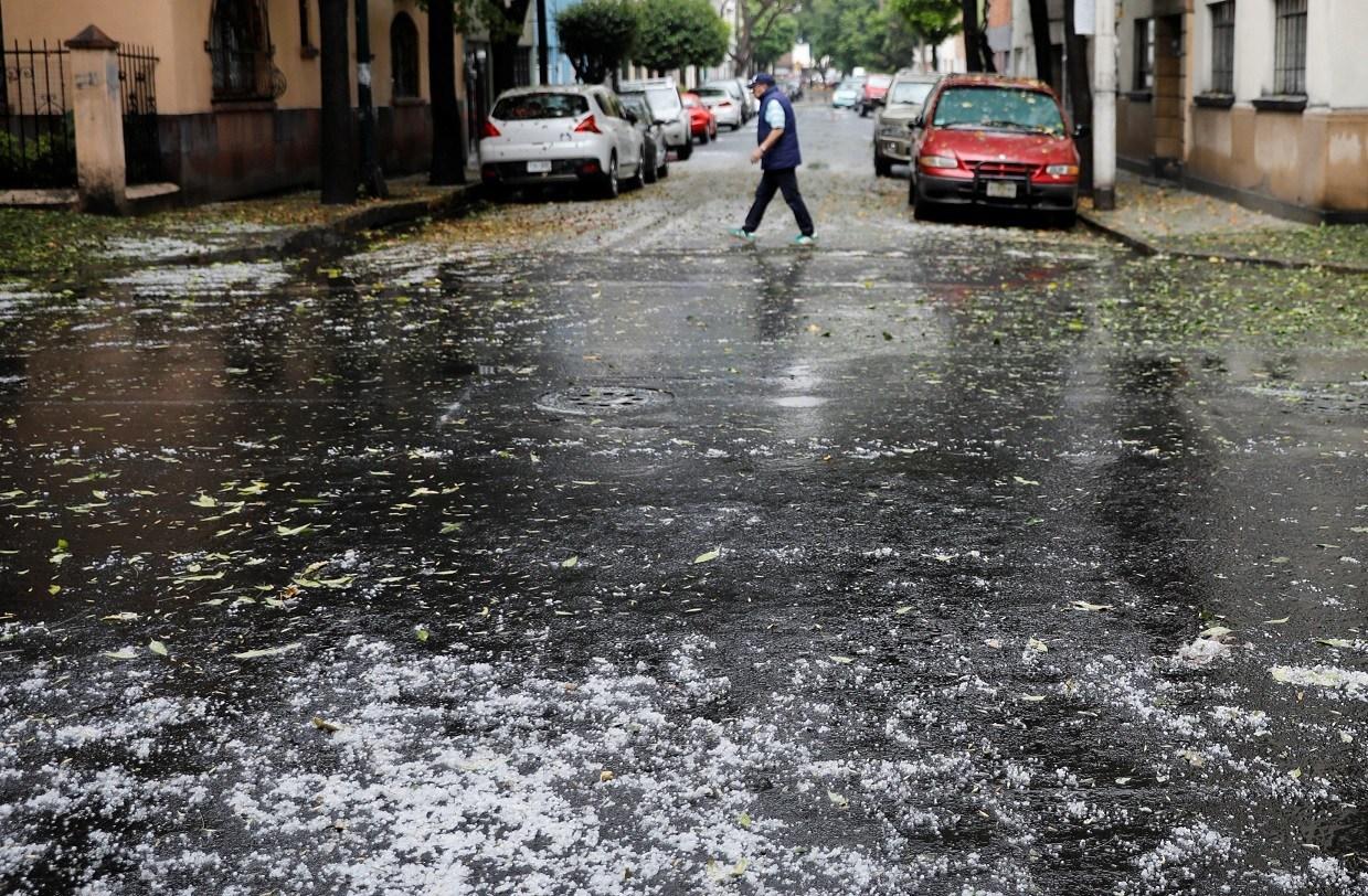 Se prevén lluvias con actividad eléctrica y caída de granizo al Sur y Poniente de la Ciudad