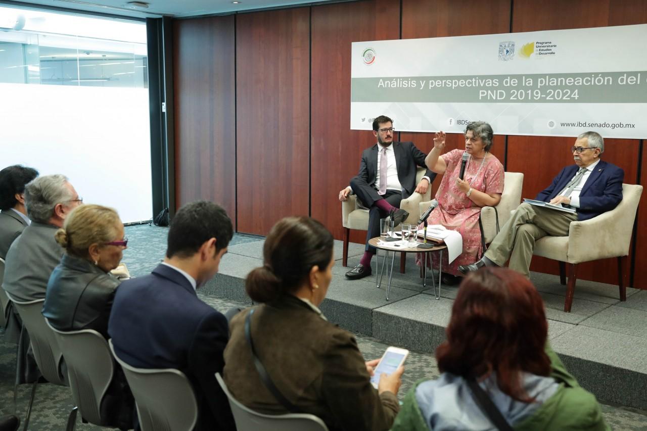 En riesgo operatividad del gobierno por recorte de plazas de confianza y falta de rigor en el PND 2019 a 2024
