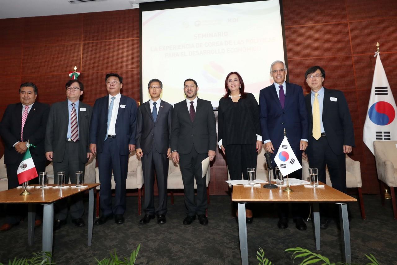 Analizan en el Senado experiencia coreana en políticas de desarrollo y crecimiento económico