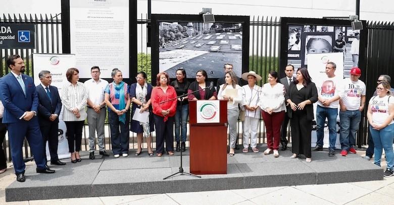 Inauguran la exposición fotográfica Memorial a 10 años del incendio de la Guardería ABC