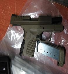Policía de la SSC detiene a 12 personas por portación de arma de fuego y posesión de presunta droga en Tlalpan