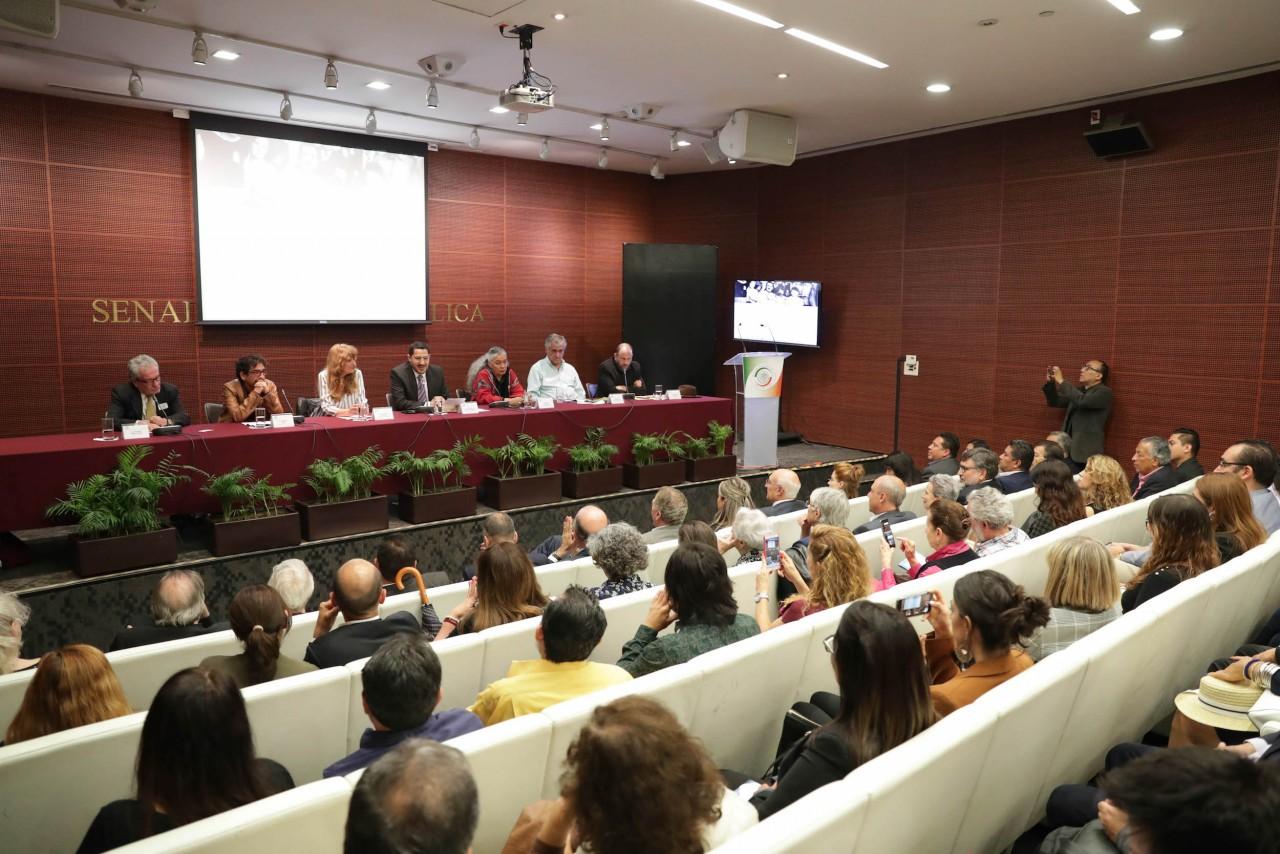 Reivindicar derecho humano a la migración destacan en panel 80 años del Exilio Español