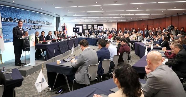 Solicita Ricardo Monreal cuidar los derechos humanos y no criminalizar la migración