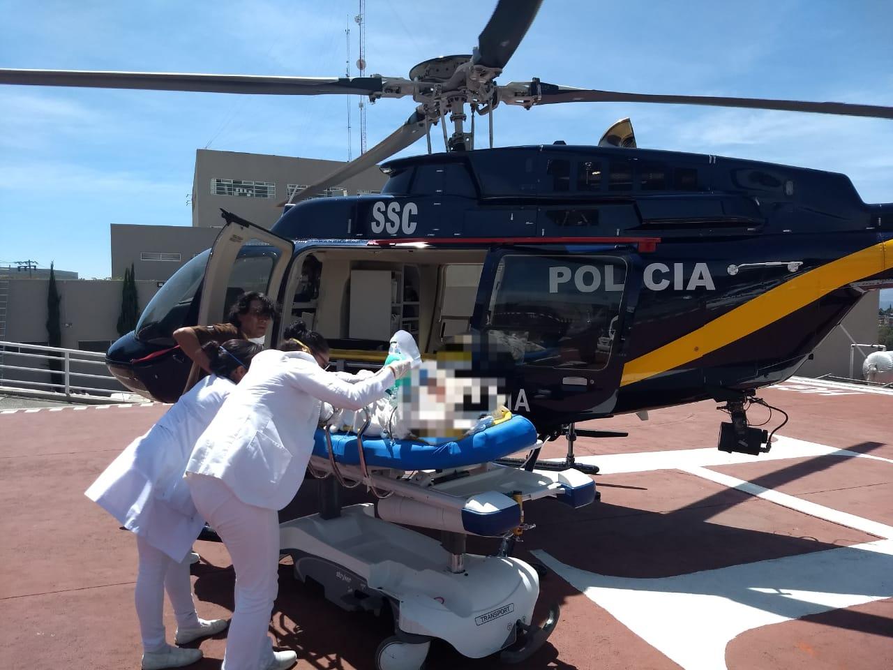 Cóndor de la SSC apoya en traslado de Hospital a Hospital de una Joven por Intoxicación