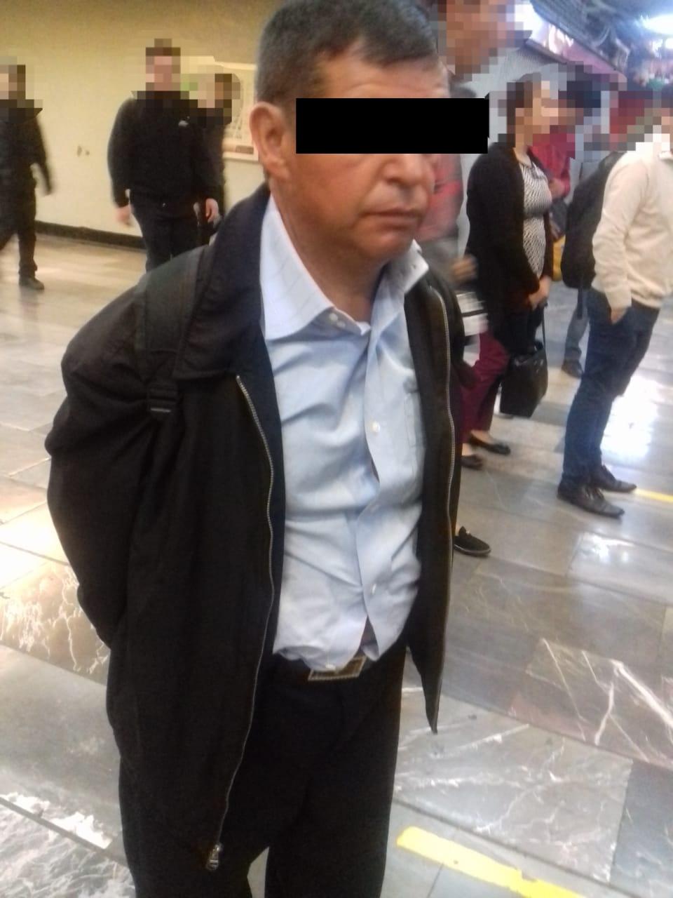 Policías de la PBI de la SSC detienen a un Hombre por presunto Abuso Sexual en la estación Tacubaya del Metro