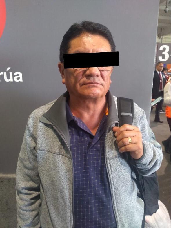 Policías de la PA de la SSC arrestan a un hombre de Nacionalidad Peruana por presunto robo de maleta en el AICM