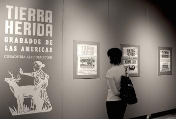 Exposición de grabados sobre explotación minera en América