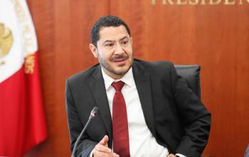 Plantea Martí Batres reducir de 25 a 21 años la edad para poder ser senador