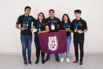 Triunfan Politécnicos en torneos de robótica
