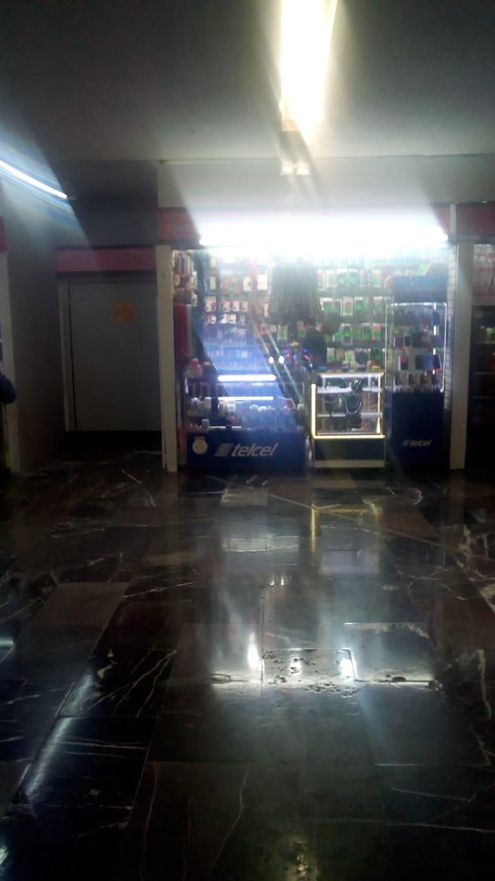Policías de la PBI de la SSC detiene a un menor de edad implicado con el presunto robo de un celular en la estación Candelaria