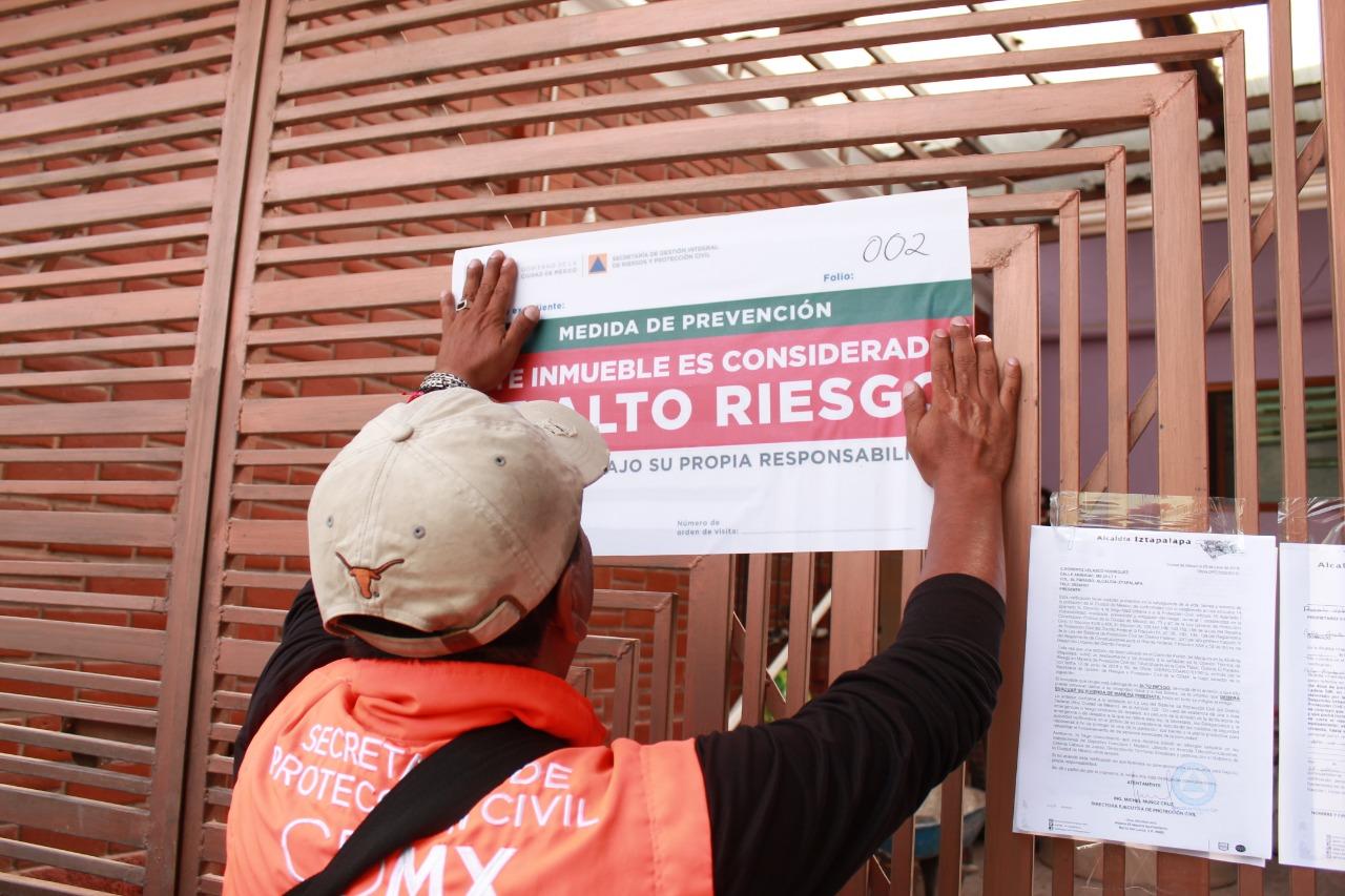 Notificó Alcaldía Iztapalapa a Habitantes de 45 Viviendas del Cerro del Peñón que deben Evacuar por estar en Alto Riesgo