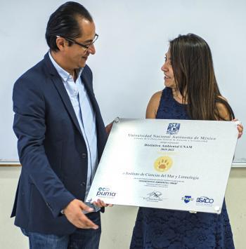 Recibe el Instituto de Ciencias del Mar y Limnología distintivo Ambiental UNAM nivel Oro