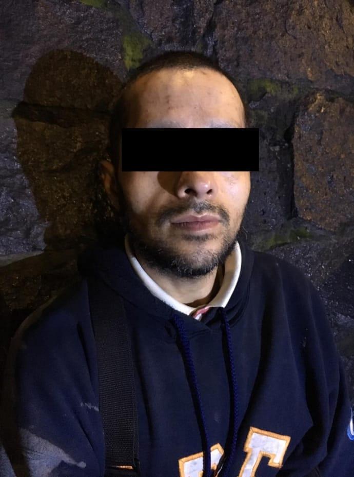 Policía de la PBI de la SSC detuvo a un Hombre relacionado con presunto Robo de Autopartes