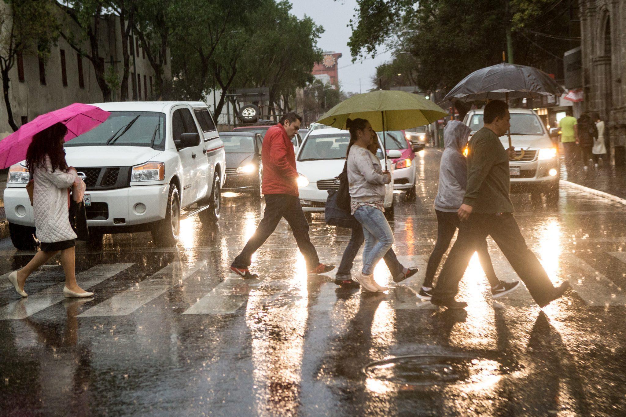 Viernes con lluvias fuertes al Poniente de la Ciudad