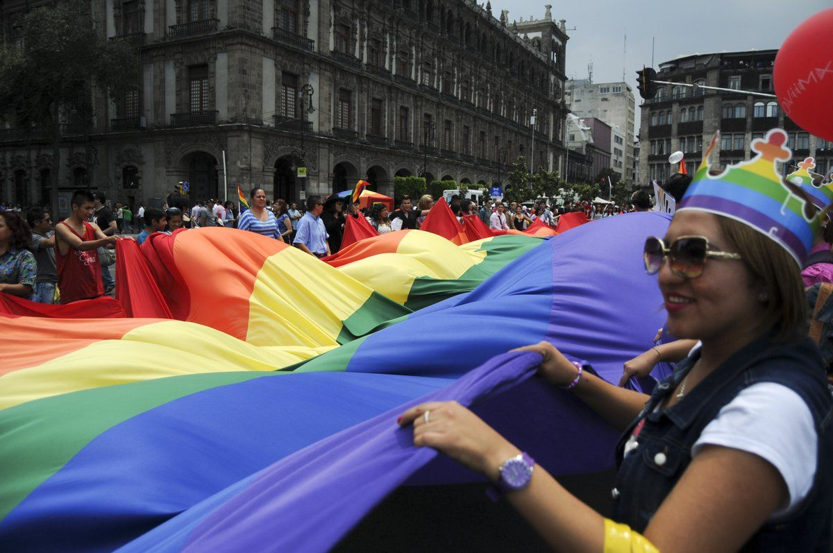 Desfilará carro alegórico de DiVerso en la Marcha del Orgullo Gay