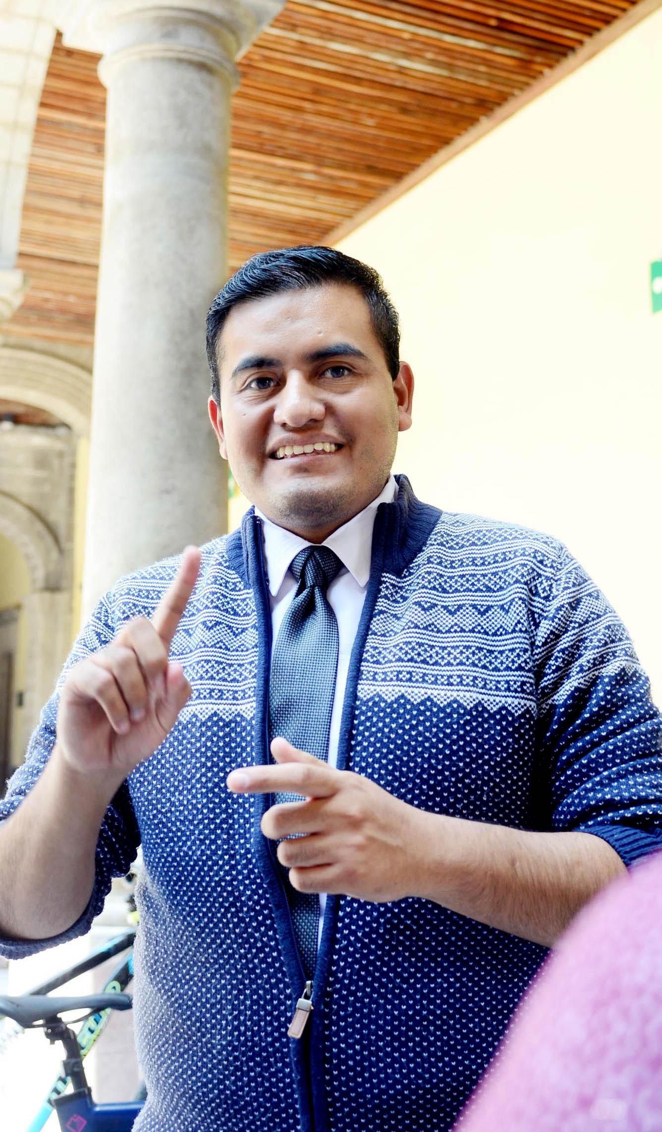 Gana Universitario Premio por su Labor Altruista