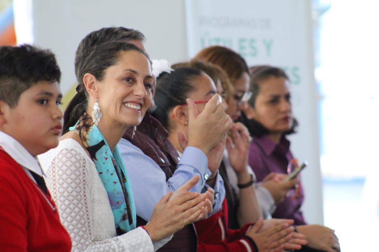 Jefa de Gobierno rinde cuentas de los Programas Mejor Escuela y Útiles y Uniformes Escolares
