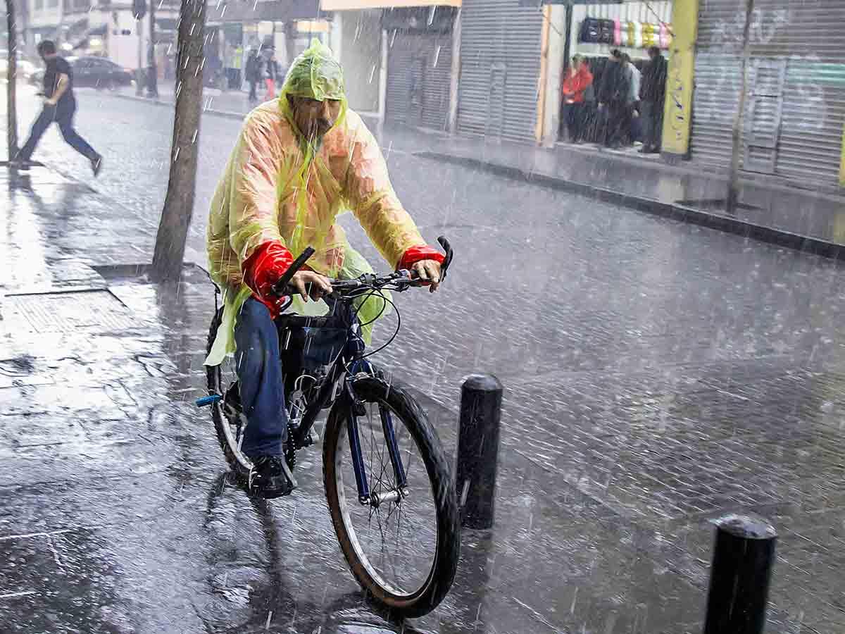 Activan alerta amarilla por pronóstico de lluvia fuerte en 8 Alcaldías