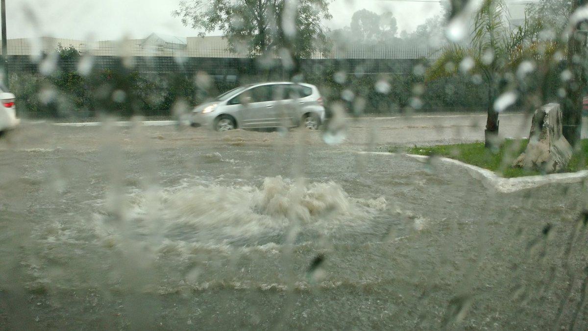 Activan Alerta Roja por intensas lluvias en Alcaldía de Cuajimalpa